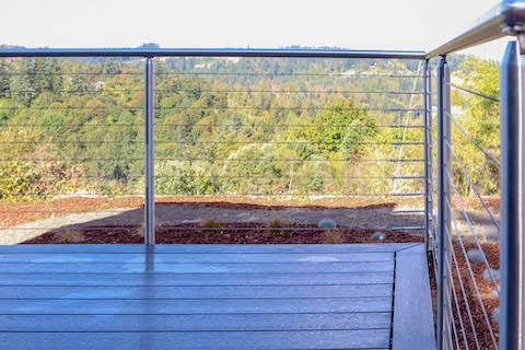 outdoor deck railing