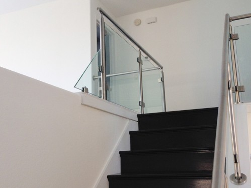 stainless steel railing glass stairs left