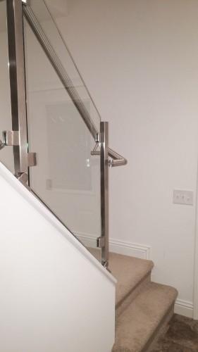 stainless steel glass railing symmetric round tube