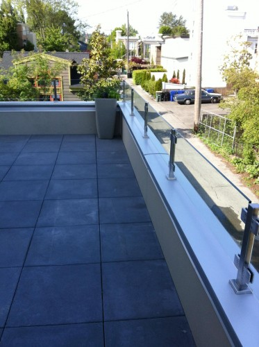 stainless steel glass railing backyard