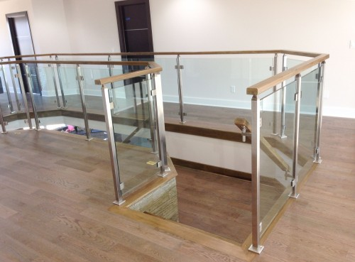 stainless steel glass railing entrance