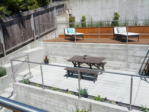 stainless steel cable railing round backyard