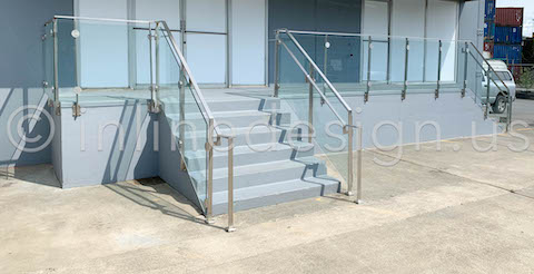 beautiful glass arcadia railing