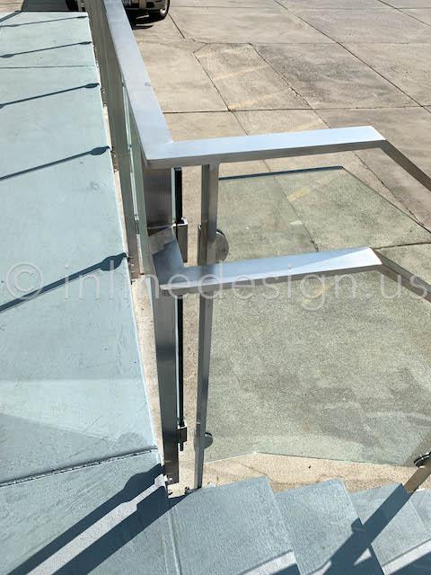 exterior inside corner railing