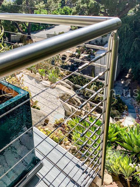 corner round cable railing system