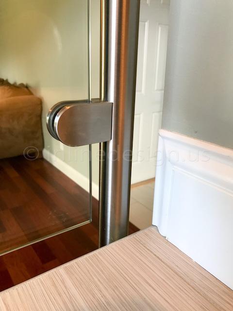 glass railing molding