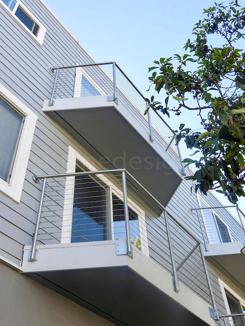 stainless steel cable railing balcony.jpeg
