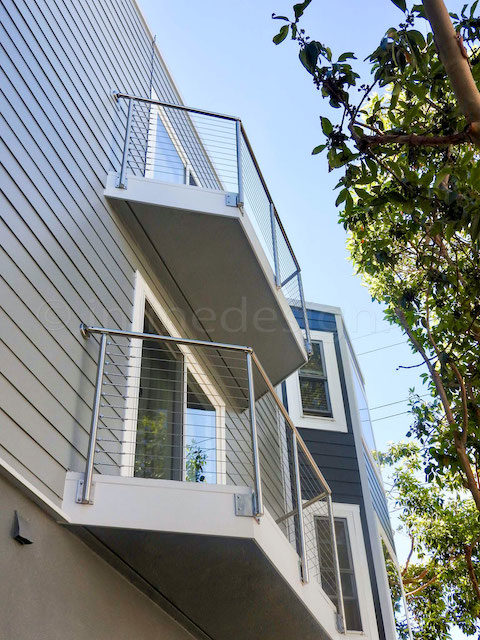 stainless steel cable railing round.jpeg