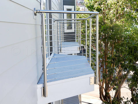 stainless steel cable railing side.jpeg